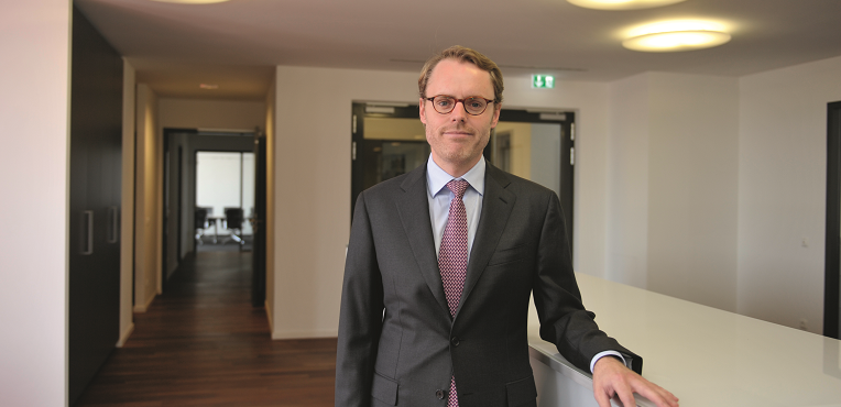 Dr. Philipp Ullrich